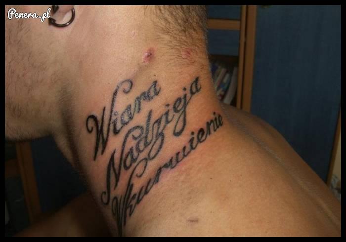 Trzy słowa z debilnego tatuażu