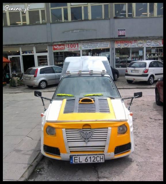 Nie mam pojęcia co to za auto...