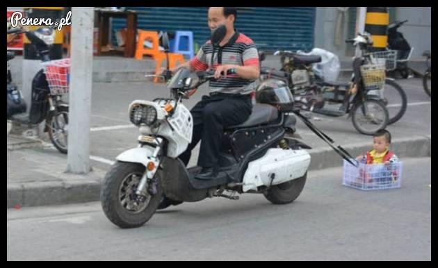 Ojciec roku zabrał synka na motor