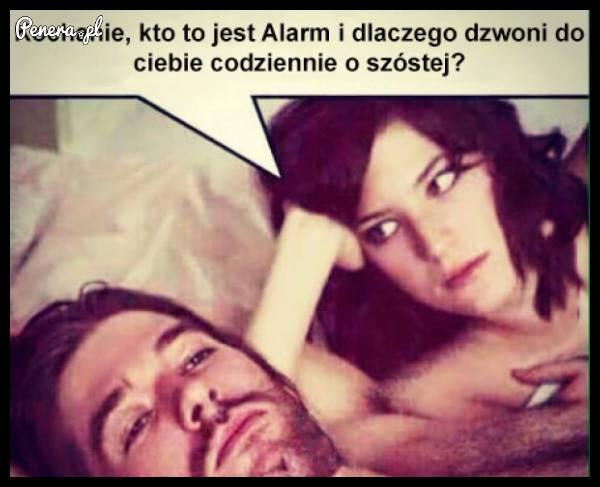 Co to za Alarm i dlaczego dzwoni do Ciebie codziennie o 6 rano