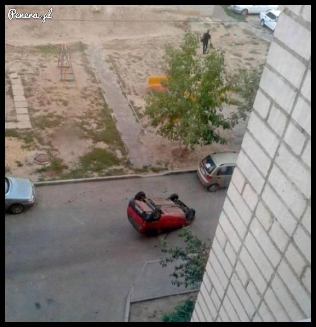 Kochanie zaparkowałam przed blokiem!
