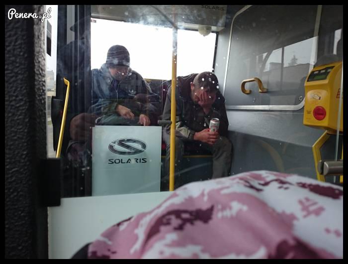 Nie ma to jak kac w autobusie o 9 rano