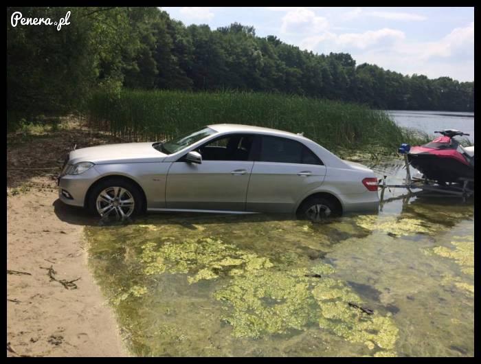 Że niby ja nie dam rady wjechać do jeziora