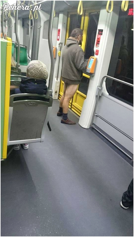 6 rano i taka akcja w tramwaju