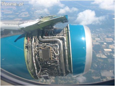 Lecisz sobie samolotem a tu taki widok