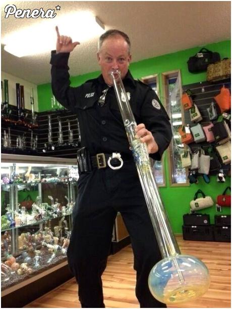 Policjant też się czasem musi wyluzować :D