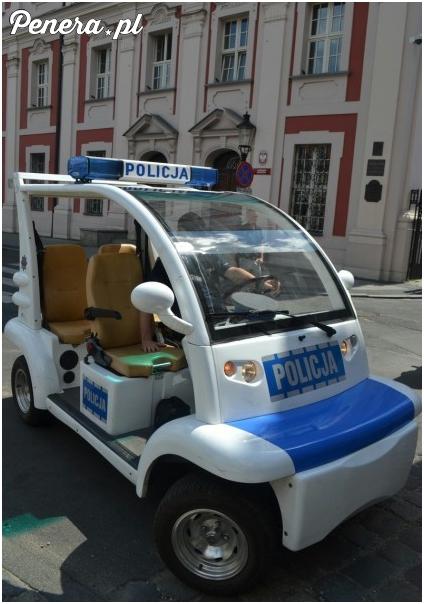 Polska Policja dostała nowy samochód pościgowy :D