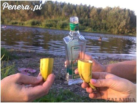 Prawdziwy amator wódki poradzi sobie w każdych warunkach ;)