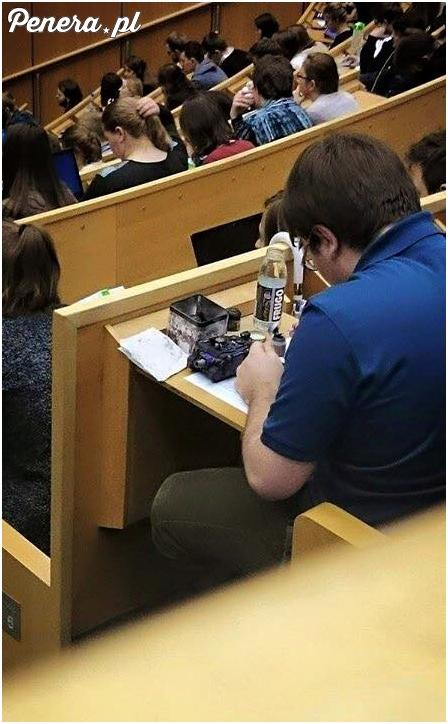 Sposób na nudę na wykładach