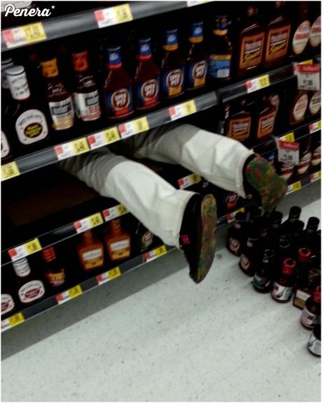 Tak się kończy zabawa w chowanego w markecie