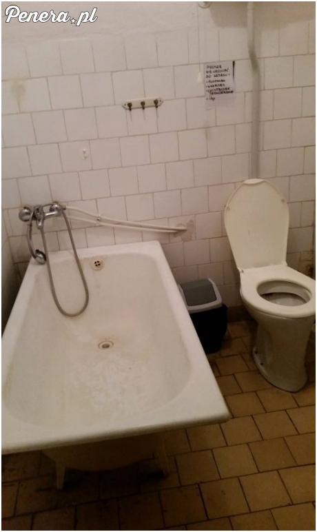 Tak wygląda łazienka w Dziecięcym Szpitalu w Augustowie